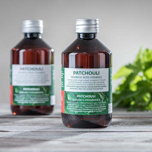 Patchouli šampon s vitamínem E pozadi
